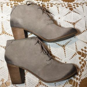 TOMS LUNATA TAUPE BURNISHED SUEDE ANKLE BOOTS SZ 9